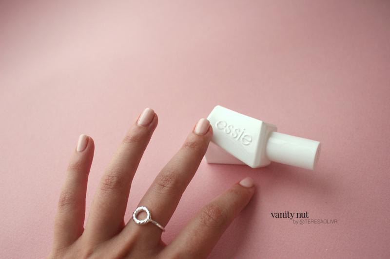 Essie Gel Couture Nueva Colección   Vanity Nut by Teresa Oliver