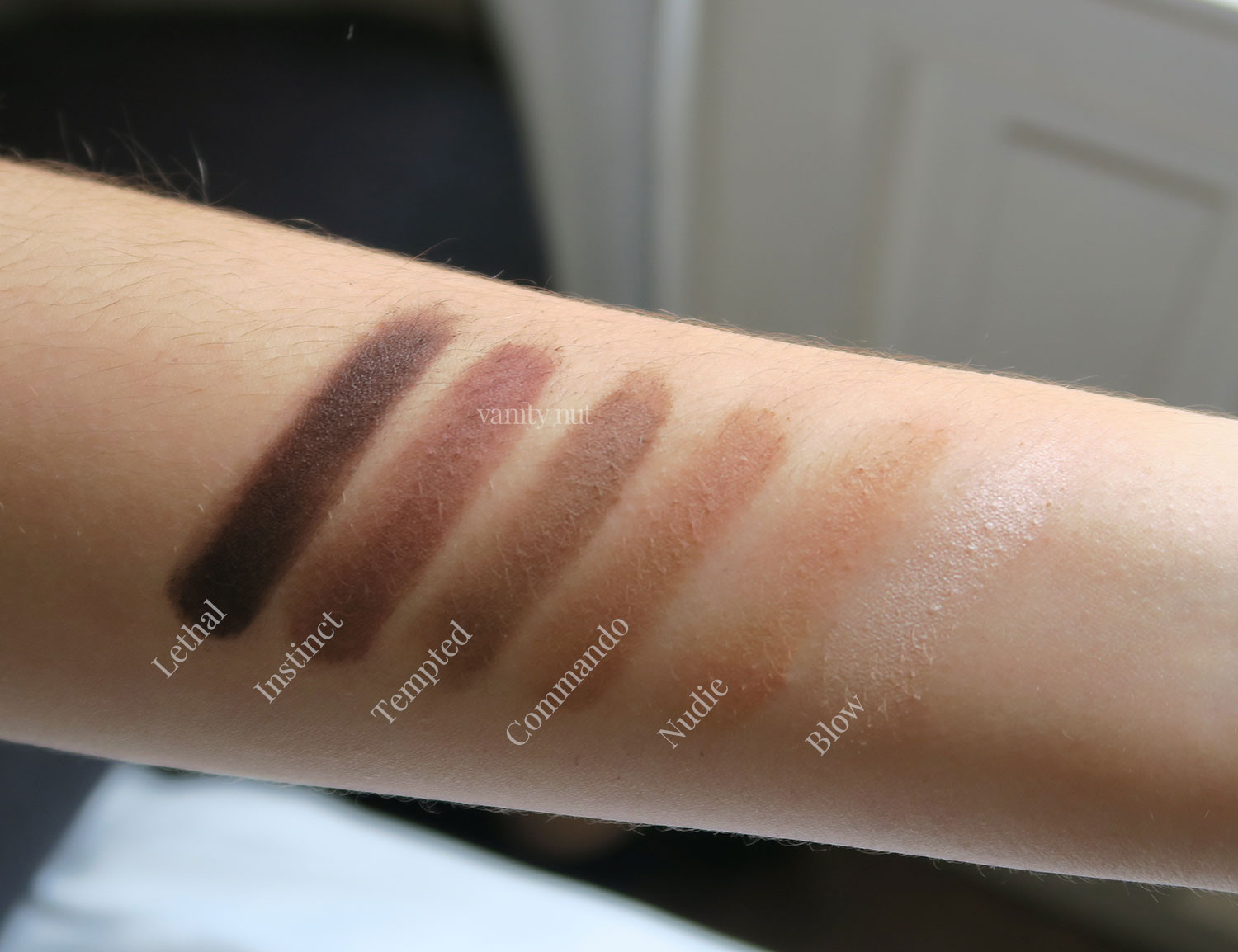 ultimate_basics_urban_decay_palette_shadows_swatches_1